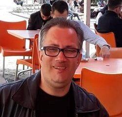 Борислав Савов - учител в ГЦДО в ПЕ